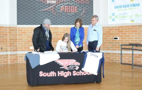 Jenna Zelm Signs with Judson University for Soccer