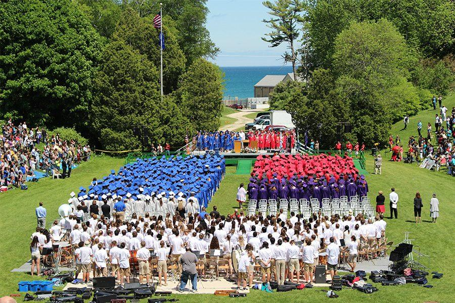 SASD%27s+Class+of+2016+celebrates+graduation+in+the+Vollrath+Bowl.+South%27s+Class+of+2016+graduated+with+16+valedictorians.